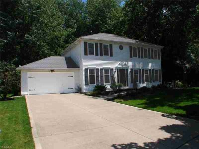 8287 Bradfords Gate Olmsted Falls Four BR, BEAUTIFUL