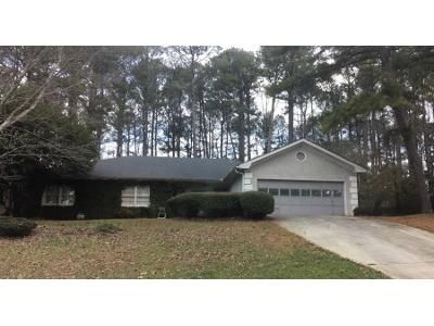 3 Bed 2.5 Bath Preforeclosure Property in Lawrenceville, GA 30043 - Huntcliff Dr