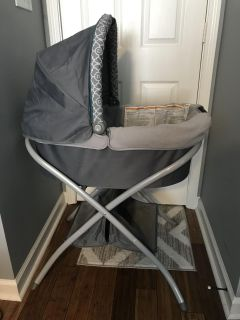Baby Bassinet with Easy Travel Handle