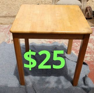 Wood end table$25