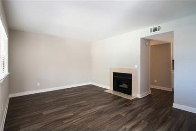 1 bedroom Apartment in Thousand Oaks