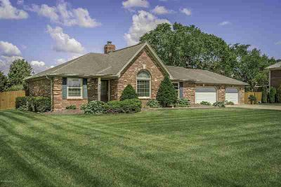 1043 Cobblestone Cir SHEPHERDSVILLE, Welcome Home to this