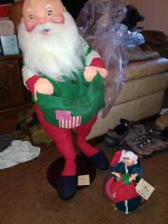 Vintage Annalee Christmas dolls (collectibles)