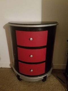 Side table with 3 drawers