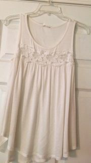 Pretty ivory top - soft size Small