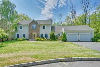 9 Nuthatch Court HACKETTSTOWN Three BR, Welcome to this custom