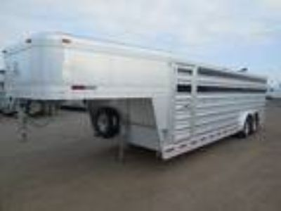 2019 Platinum Coach 24' Club Calf show trailer