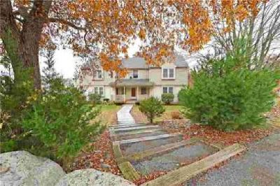 164 Fairway DR Coventry Two BR, A fabulous Town House style