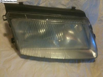 headlight assembly for 2001 Passat Right side