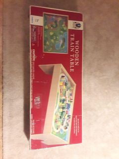 #8 Patat kids wooden train table