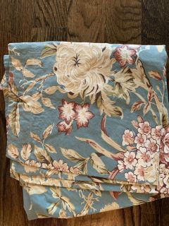 Pottery Barn queen duvet cover and 2 shams