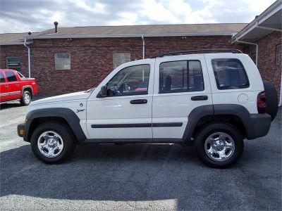 2006 Jeep Liberty Sport (WHITE)