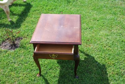 Antique Side Table w Drawer