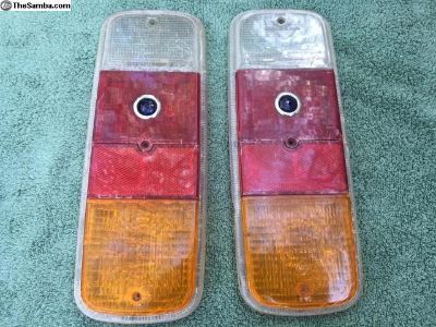 Tail light lens with blue dots