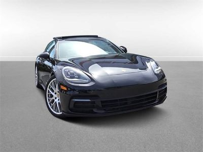 2018 Porsche Panamera Base (Jet Black Metallic)