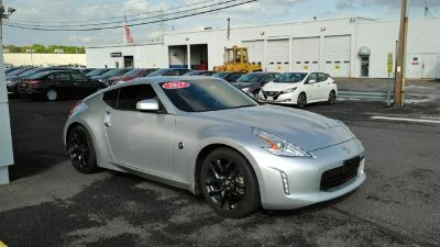 2017 Nissan 370Z Base (Brilliant Silver)