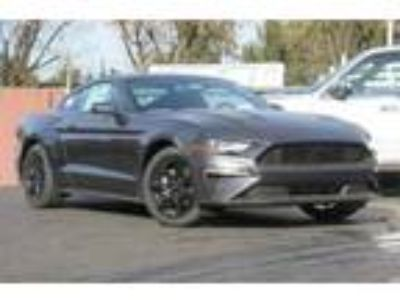 New 2018 Ford Mustang Coupe