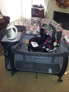 Snugride 30 carseat cute floralblack, Safety First pack n play