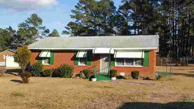 307 Pine Shoal Dr Snow Hill Three BR, Great Brick Ranch home