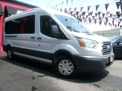 "2017 Ford Transit Wagon T-350 148"" Med Roof XLT Slidin (Oxford White)"