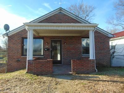 3 Bed 1 Bath Foreclosure Property in Beckley, WV 25801 - Lincoln St