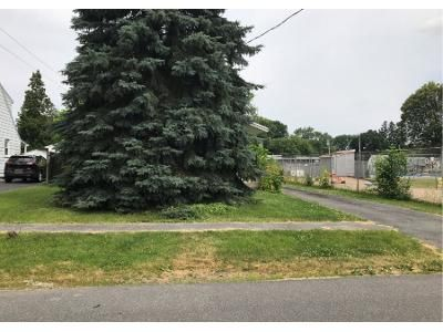 3 Bed 1 Bath Preforeclosure Property in Syracuse, NY 13211 - Richfield Blvd