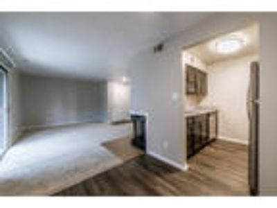 Woodbridge of Bloomington - One BR Apartment with Loft
