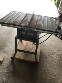 Delta Rockwell Contractor Table Saw - Model 10