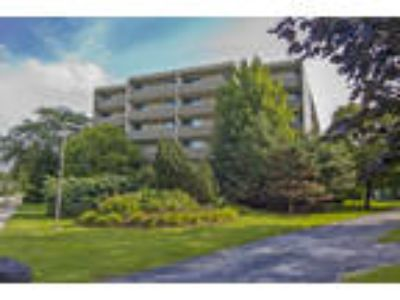 Park Towers Apartments - Two BR, Two BA 908 sq. ft.
