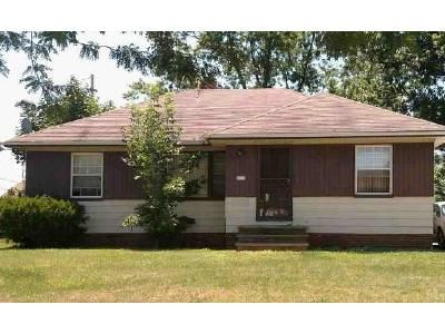 3 Bed 1 Bath Foreclosure Property in Maple Heights, OH 44137 - Ramage Ave