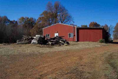 4025 Kingsway Kevil, 3.36 acres with trailer hook-up