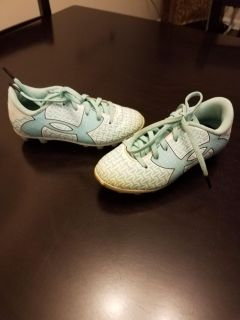 Size 10 Under Armor soccer cleats(Toddler)