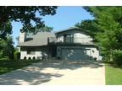 Saint Charles Four BR, 3 1/2 Acre Country Retreat Live your