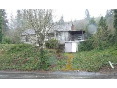 2 Bed 1 Bath Foreclosure Property in Portland, OR 97231 - NW Saint Helens Rd