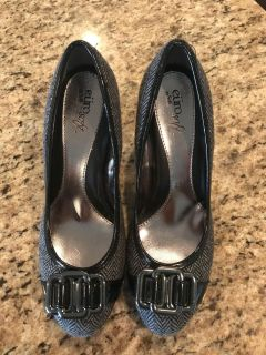 New EURO SOFT by SOFFT Black Grey Houndstooth Buckle Dress Pump Shoes SZ 7