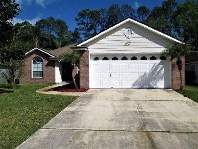 1740 Northglen Cir Middleburg, FL 32068