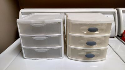 (2) Small 3 Drawer Organizer. Great for make up or jewelry. Price is for both