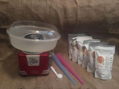 Cotton candy maker with organic sugar
