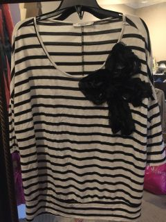 Like NEW! Black/White Stripe Shirt w/ Sequins Bow - Size XL