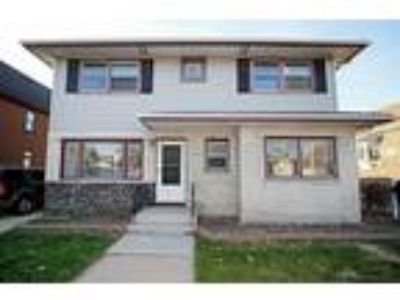 Charming Five BR, Three BA home in Oak Lawn!**
