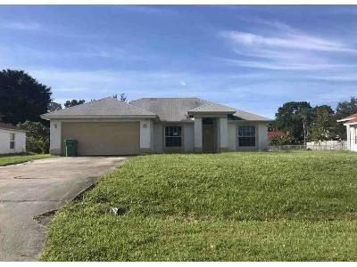 3 Bed 2 Bath Foreclosure Property in Port Saint Lucie, FL 34984 - SW Moselle Ave