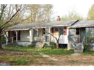 3 Bed 1 Bath Foreclosure Property in Huntly, VA 22640 - Resettlement Rd