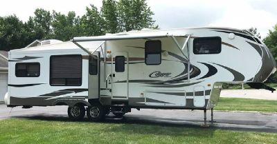 By Owner! 2011 35 ft. Keystone Cougar 323MKS w/3 slides