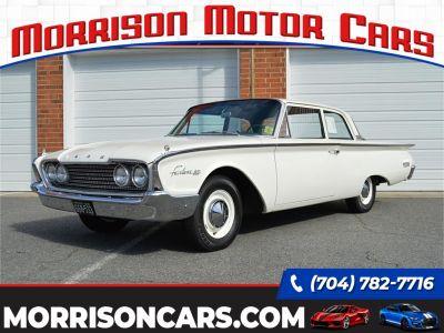 1960 Ford Fairlane (White)