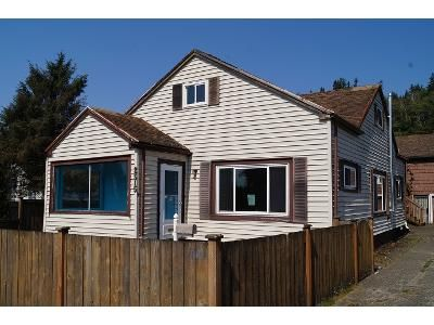 4 Bed 1 Bath Foreclosure Property in Hoquiam, WA 98550 - Sumner Ave