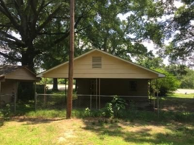 3 Bed 2 Bath Foreclosure Property in Summerville, GA 30747 - Charlie St