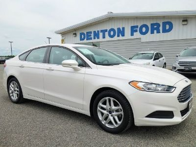 2016 Ford Fusion SE (White Platinum Metallic Tri-Coat)