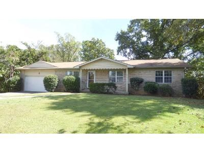 3 Bed 2 Bath Foreclosure Property in Fultondale, AL 35068 - Park Way
