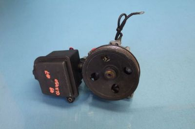 Sell 1999 MERCEDES CLK430 W208 4.3L #7 POWER STEERING PUMP OEM 0004600183 motorcycle in Tampa, Florida, United States, for US $70.00