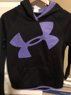 Girls YL 10/12 Under Armour Cold Gear hooded sweatshirt with front pocket. Great condition!!